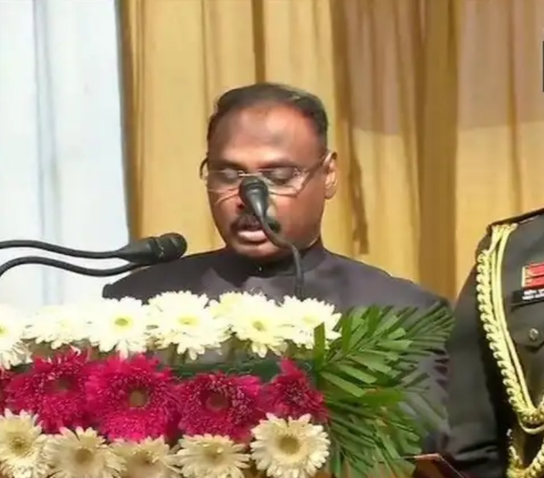 Srinagar: Girish Chandra Murmu takes oath as first Lt Governor of Union Territory of J-K