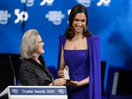 Deepika Padukone honoured with Crystal Award At WEF; Emphasis on Importance of  Mental health, Quotes Martin Luther King