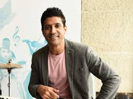 Filmmaker – Actor Farhan Akhtar Admits that He Feels Proud and Lucky to have Javed Akhtar as his Father