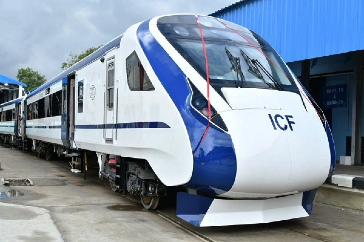 Indian Railways Awards Rs 2,211 Crore contract for 44 Vande Bharat rakes to Hyderabad-Based Firm