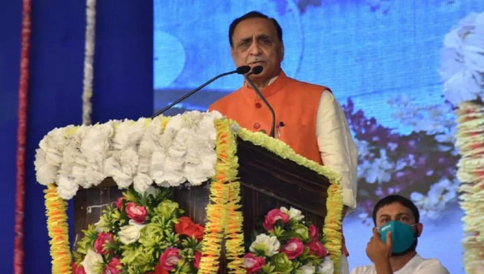PM calls to check on Gujarat CM Vijay Rupani after he fainted during the rally, kept under observation for 24 hours